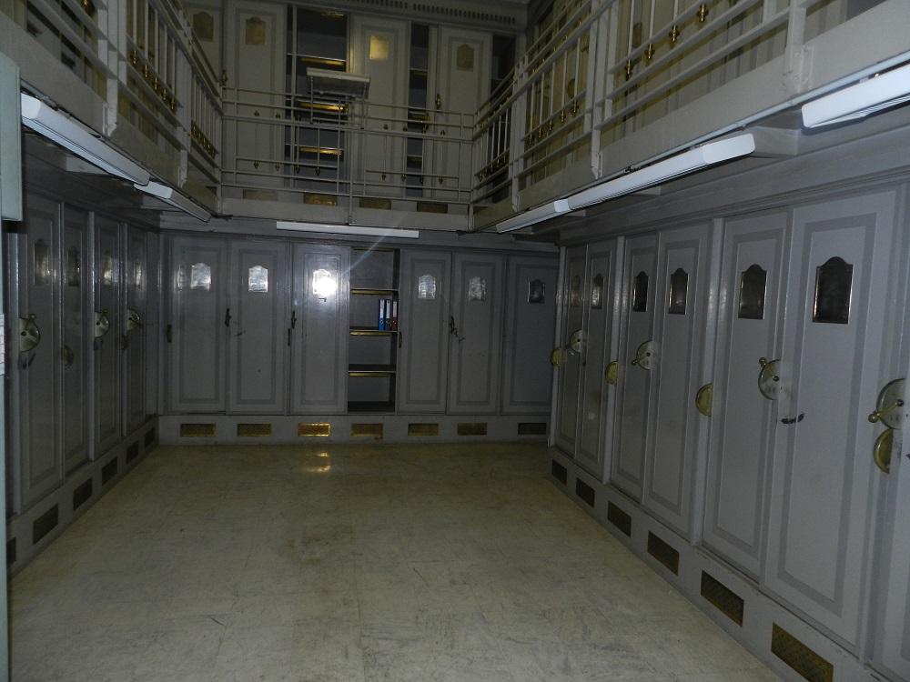 Salle d'archives (2)